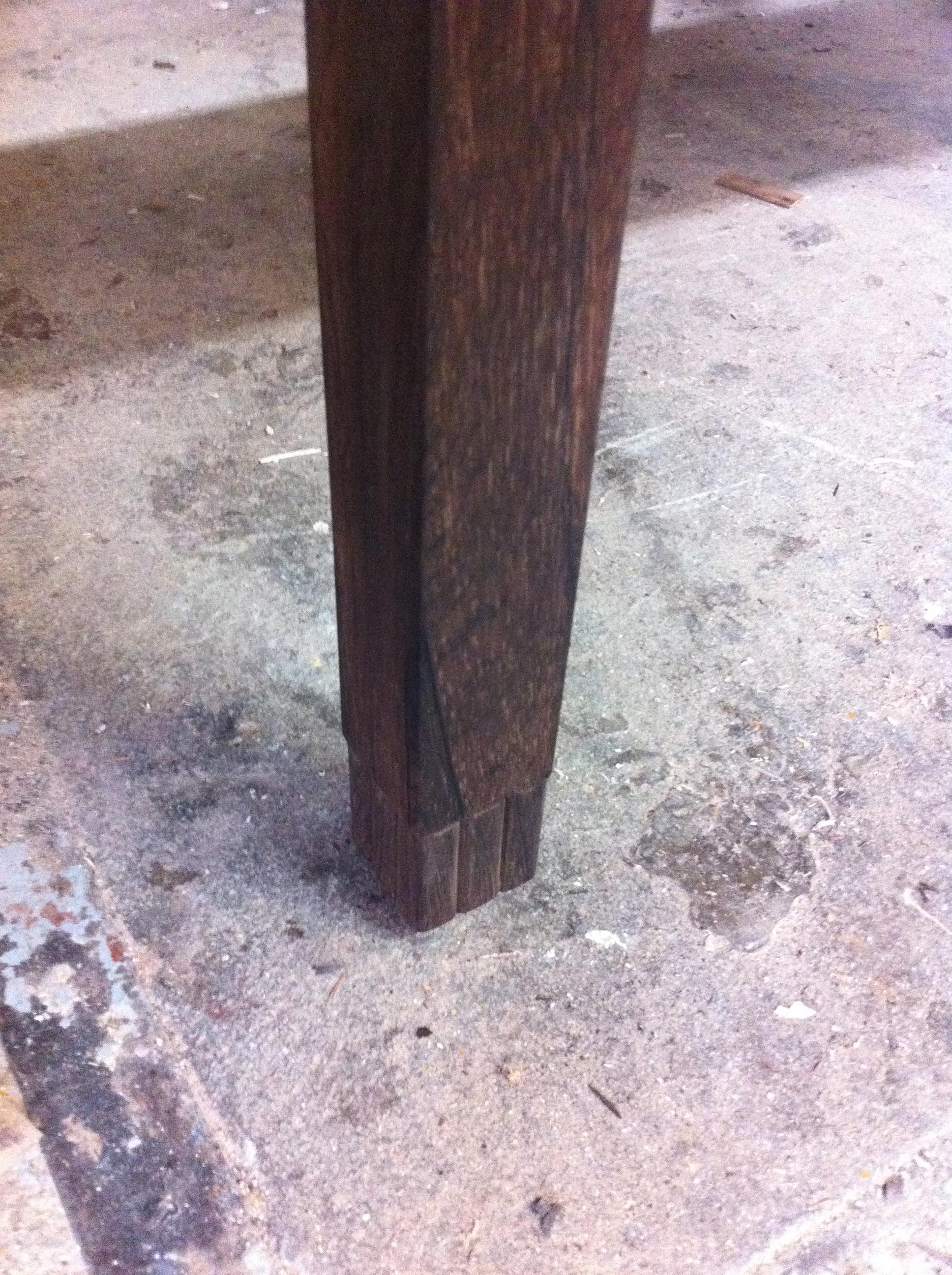 table basse palissandre et ivoire détail pied